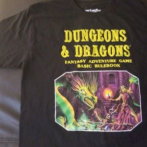 NWOT Hot Topic Dungeons And Dragons Tee